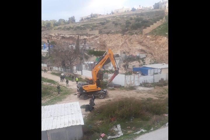 القدس: الاحتلال يهدم مسكنا ومنشآت ويشرد أصحابها