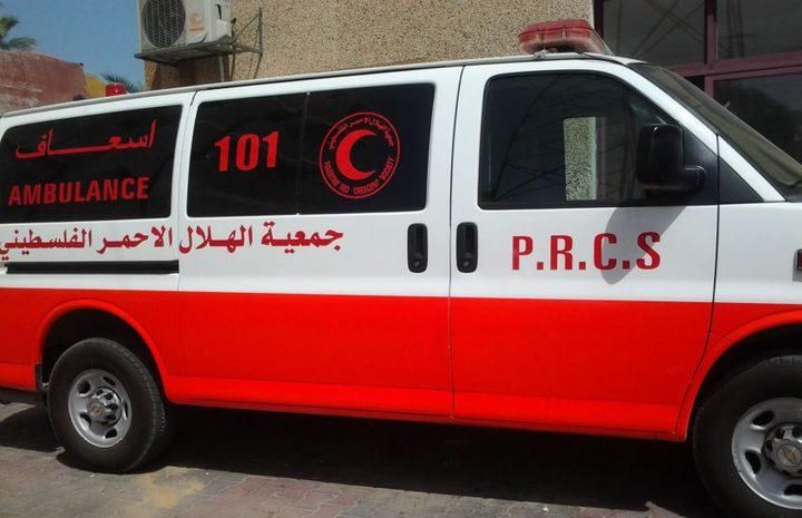 إصابة مواطن بجروح خطيرة بانهيار سور في دير البلح