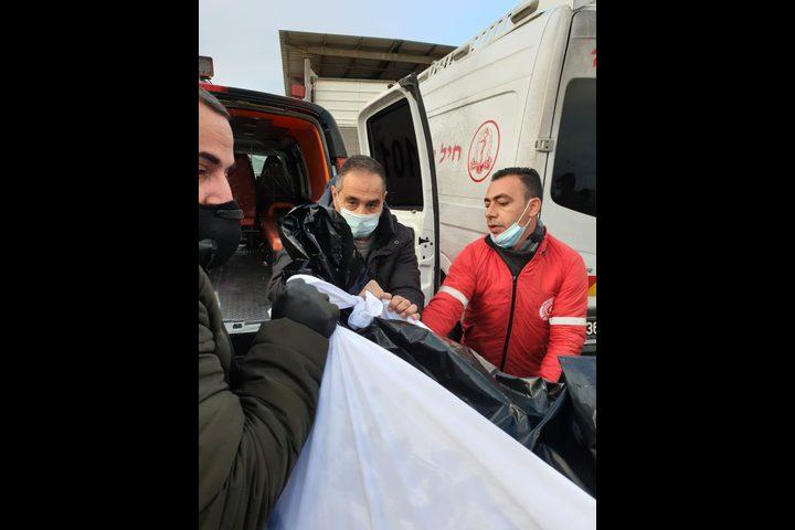 استلام جثمان الشهيد داوود الخطيب على حاجز مزموريا بمدينة بيت لحم