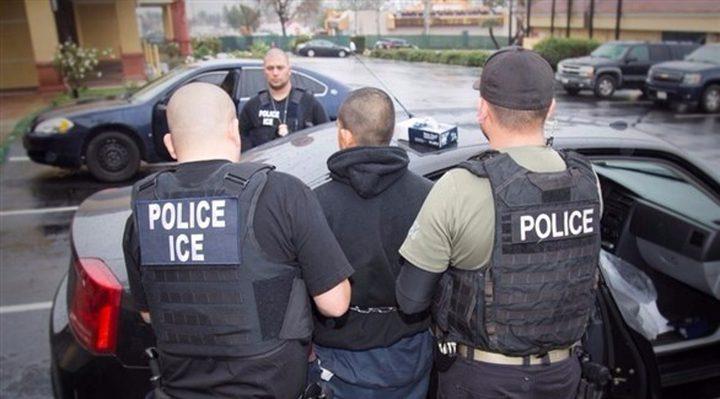 إدارة بايدن تصدر قواعد للحد من الاعتقالات داخل مجتمعات المهاجرين