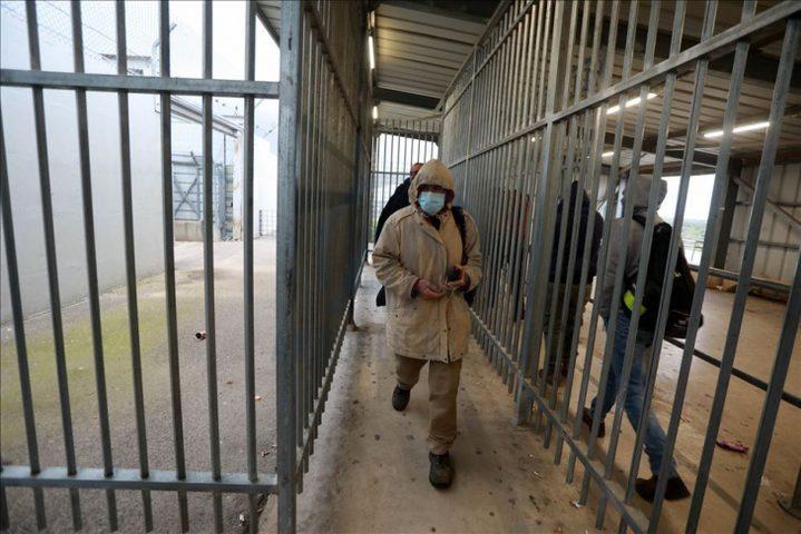 تطعيم 100 ألف عامل من الذين يعملون في أراضي الـ48