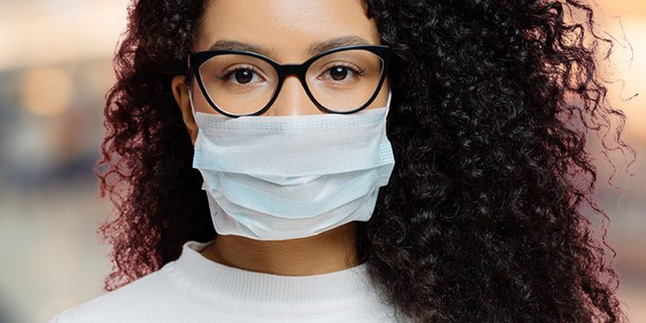 دراسة: مرتدو النظارات أقل عرضة للإصابة بكورونا
