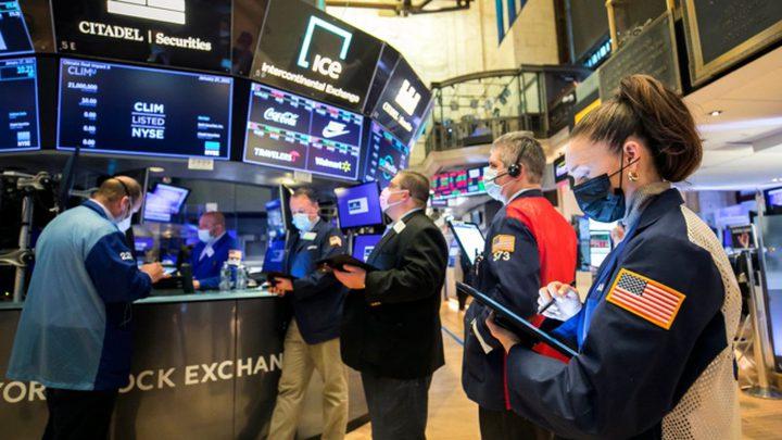 الأسهم الأمريكية تنخفض متضررة من مخاوف التضخم