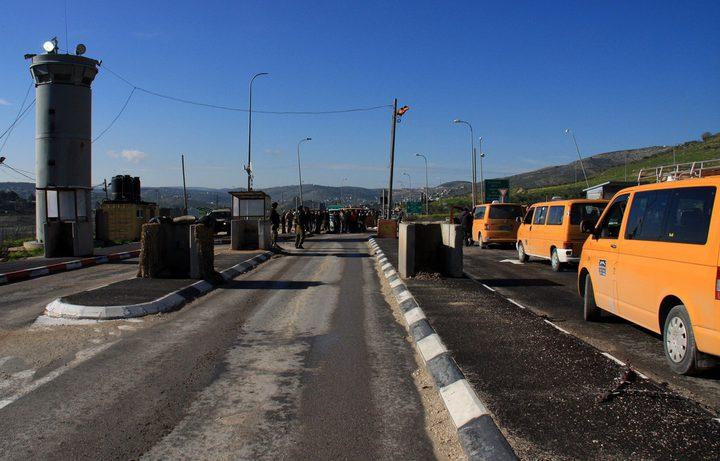 الاحتلال يشدد اجراءاته العسكرية على حاجز حوارة جنوب نابلس