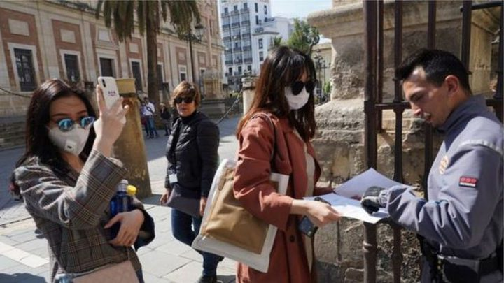 إسبانيا: نأمل بعودة السياح البريطانيين هذا الصيف