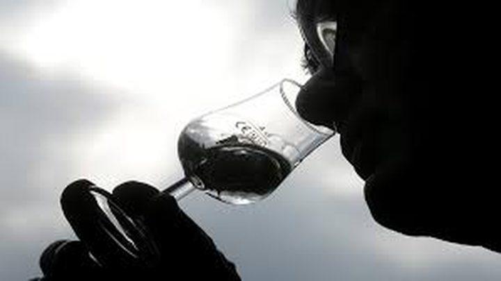 """دراسة تكشف أصحاب المهن الأكثر تناولا """"للكحول"""""""