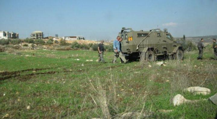 سلفيت: الاحتلال يمنع مزارعين من حراثة أراضيهما