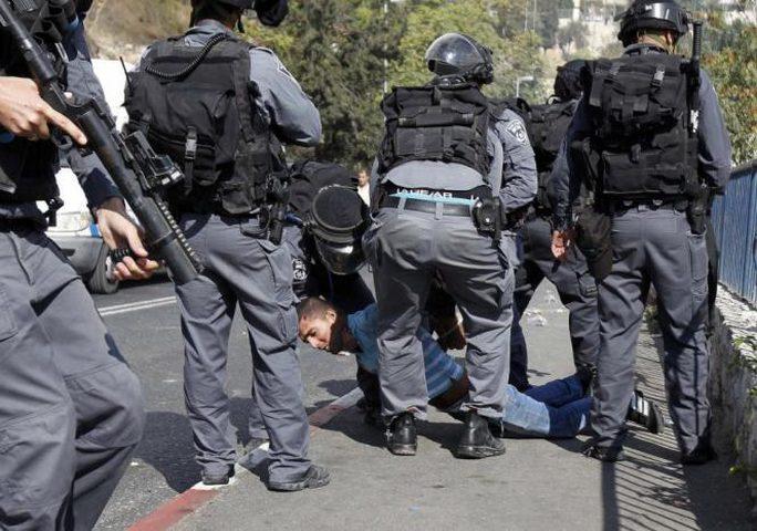 قوات الاحتلال تعتقل 4 مقدسيين بينهم فتاة في باب المجلس بالقدس