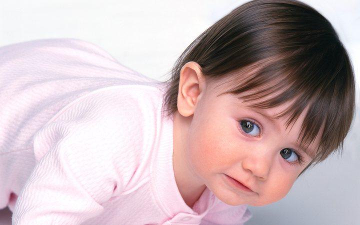 عادة يومية شائعة تزيد خطر معاناة طفلك من أمراض الحساسية