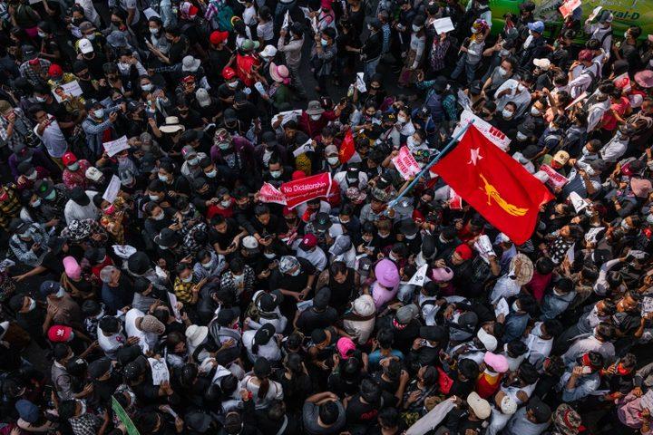 54 قتيلا على الأقل منذ بدء المظاهرات ضد الانقلاب في ميانمار
