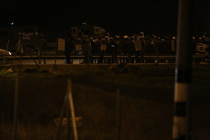 أهالي قرية مادما جنوب نابلس يتصدون لهجوم مستوطنين