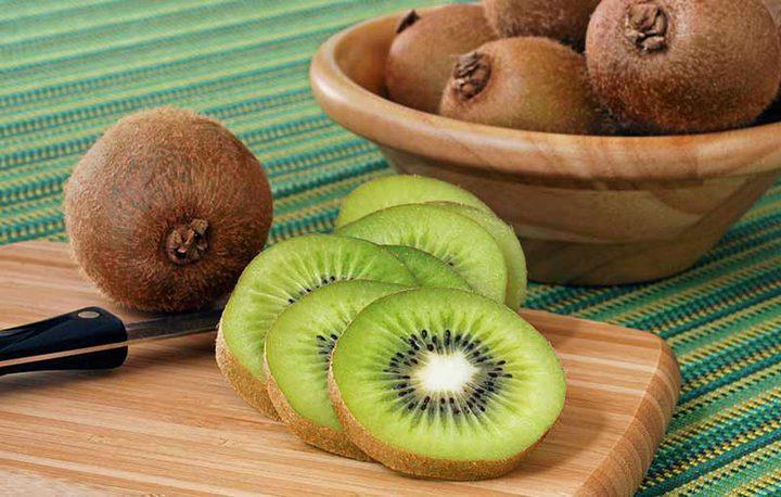 فاكهة الكيوي.. كنز من الفوائد للصحة والبشرة والشعر