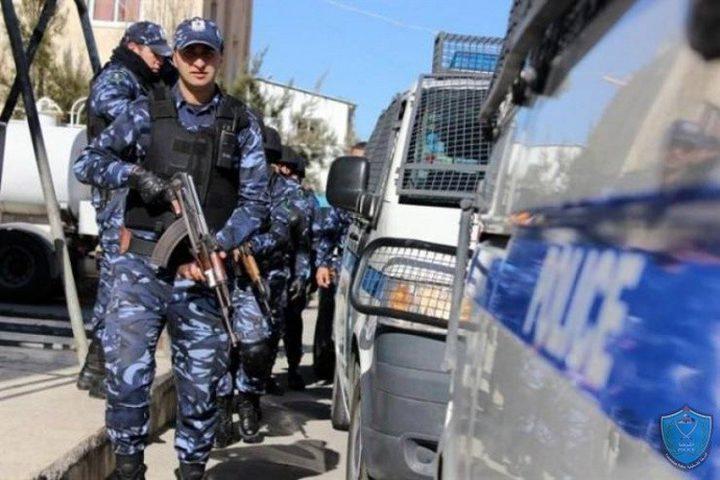 الشرطة والأجهزة الأمنية تحجز مركبات وتحرر مخالفات بنابلس