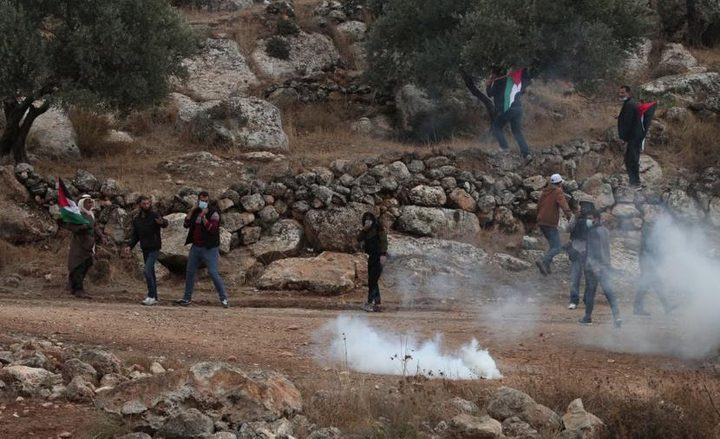إصابة 5 مواطنين بالرصاص خلال قمع الاحتلال مسيرة في بيت دجن