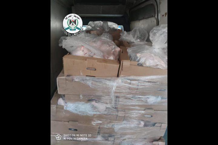 ضبط أكثر من 4 طن دجاج لاحم مهرب من المستوطنات في قلقيلية