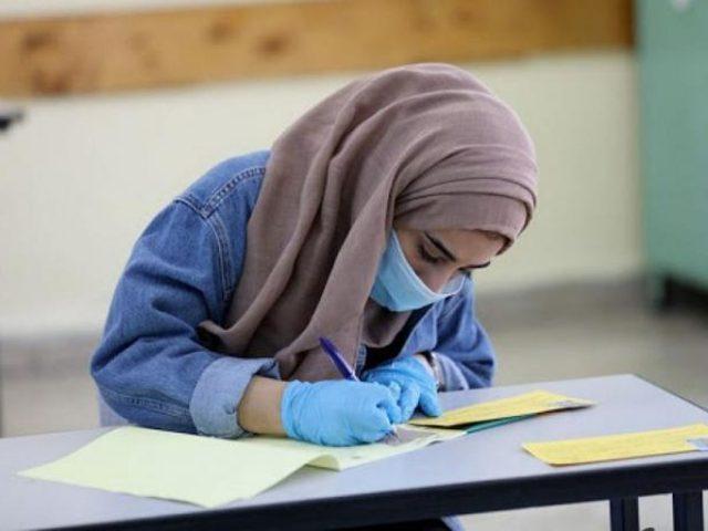 الأتيرة:قلقون من التجمعات بالمدارس والمنحنى الوبائي ما زال يتصاعد