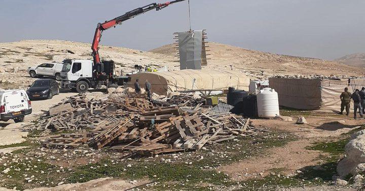 """الاحتلال يفكك مساكن في """"الزعيم"""" شرق القدس"""