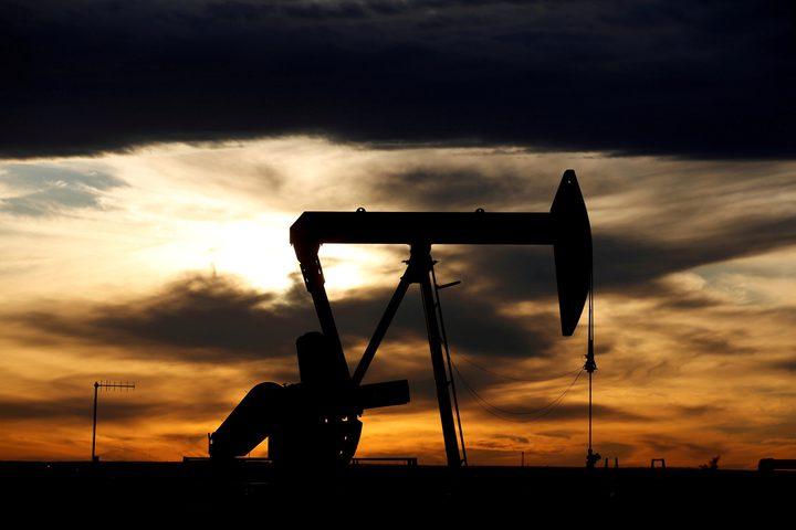 انخفاض  اسعار النفط العالمي