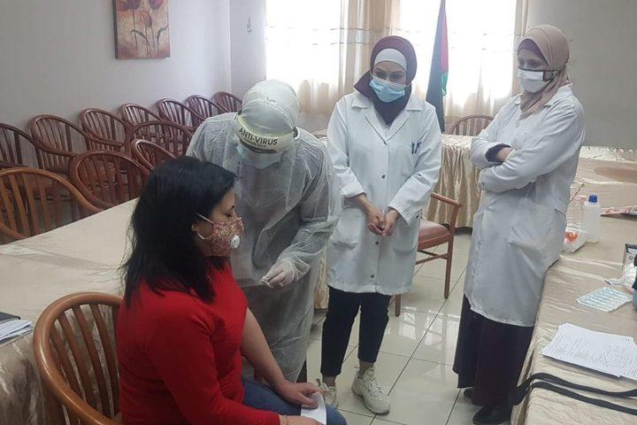 الكوادر الطبية في مجمع فلسطين الطبي برام الله تتلقى لقاح #كورونا