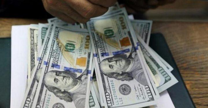 صعود الدولار بفعل هبوط أسعار الذهب والمعادن