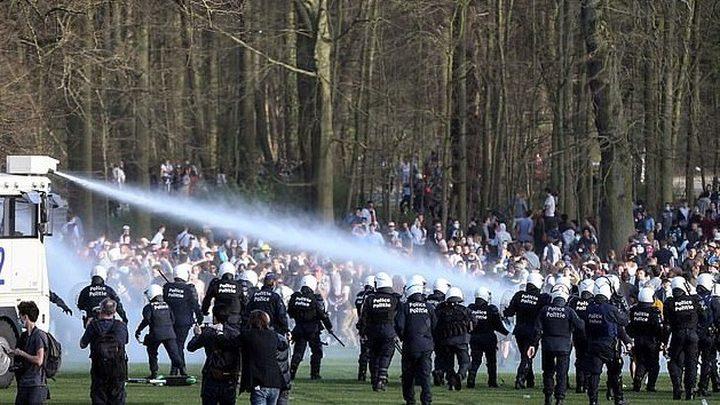 اشتباكات في بلجيكا بسبب كذبة الاول من نيسان