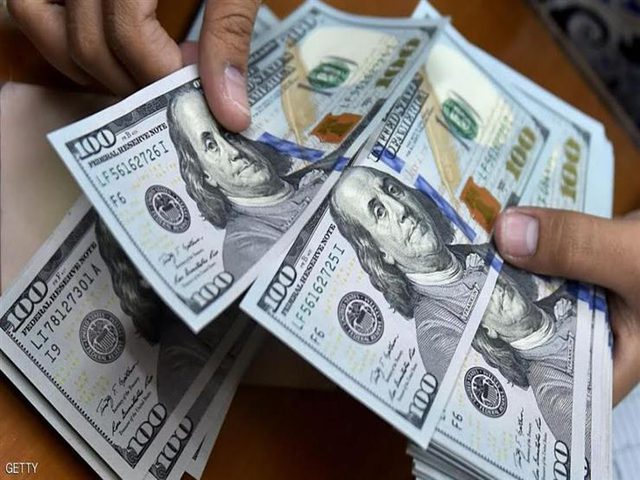 الدولار يسجل ثالث مكسب اسبوعي