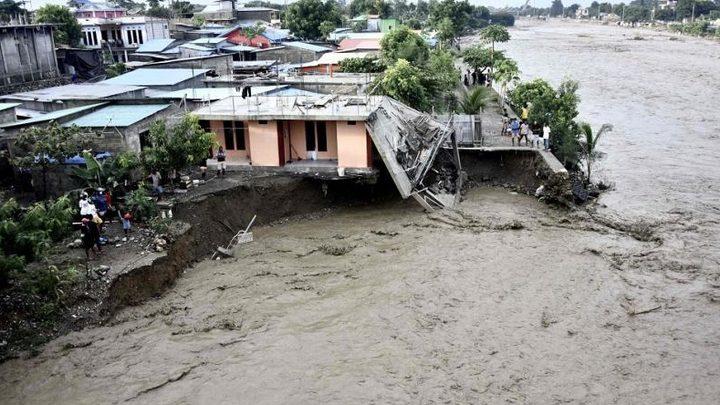 150 قتيلا في فيضانات إندونيسيا وتيمور الشرقية