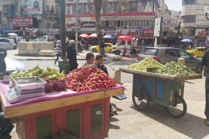 حركة شرائية ضعيفة في أسواق نابلس قبيل رمضان