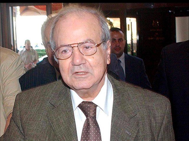 الرئيس يطمئن على صحة القائد التاريخي فاروق القدومي