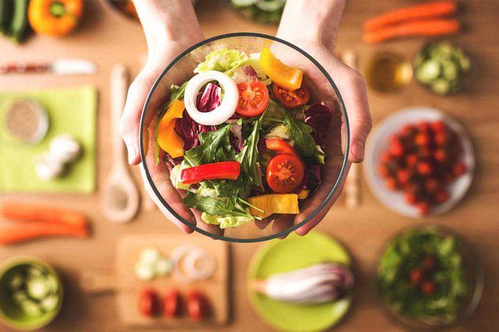 أبرز الأطعمة الغنية بالحمض المعزز للسعادة