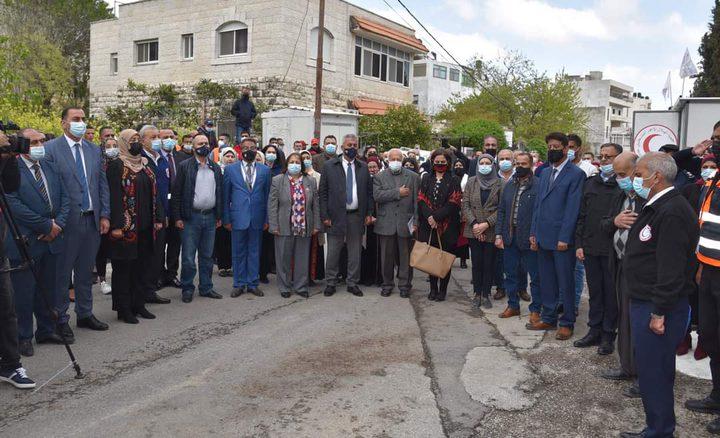 افتتاح المستشفى الميداني لمرضى كورونا في قاعات منتزه بلدية البيرة