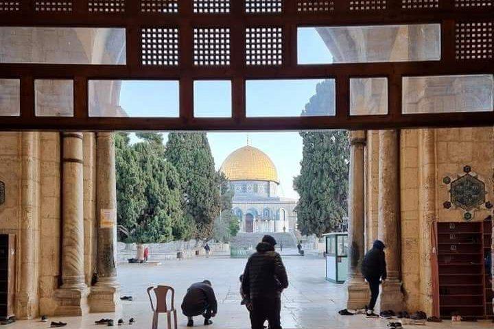 من باحات المسجد الأقصى صباح اليوم