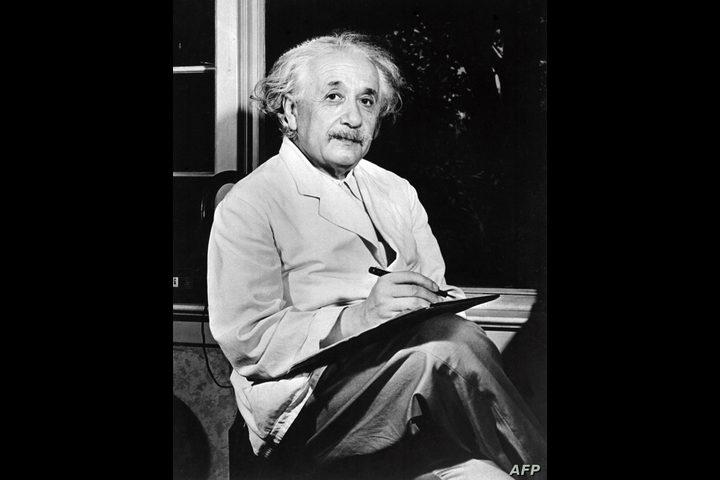 ما مدى صحة قصة الهدية التي قدمها آينشتاين لعامل ياباني؟