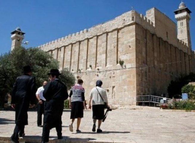مستوطنون ينفذونعمليات تدنيس واسعة في الحرم الابراهيمي