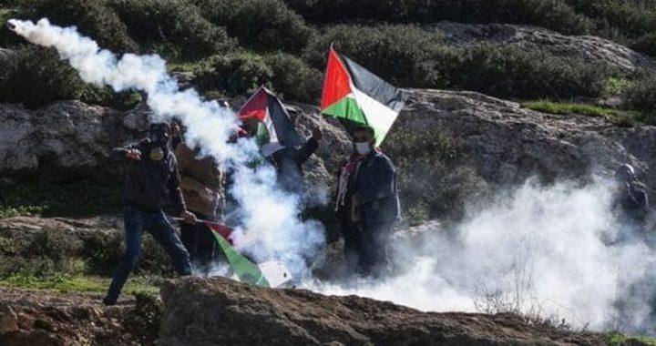 إصابة ثلاثة مواطنين جراء قمع الاحتلال مسيرة بيت دجن الأسبوعية