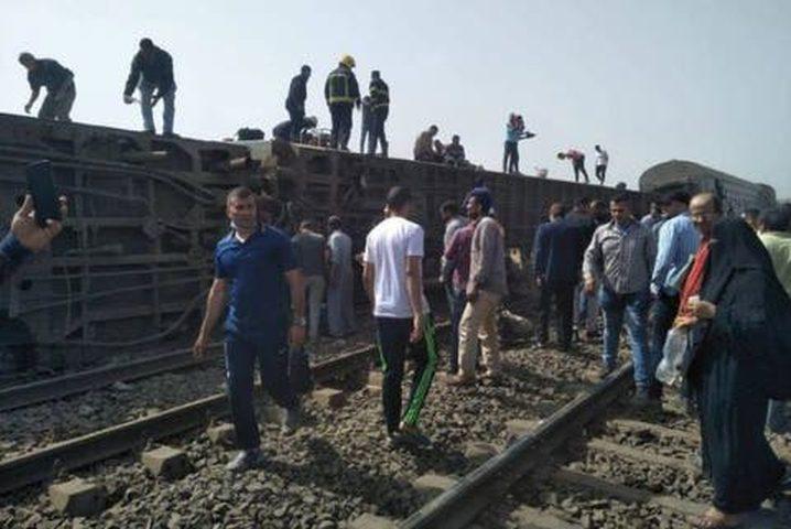 97 مصابا بعد خروج قطار عن القضبان شمال القاهرة