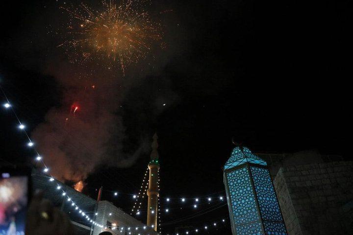 الزبابدة تحتفل بإضاءة فانوس رمضان
