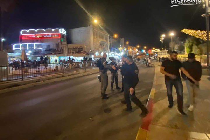 لليوم الثامن على التوالي.... قوات الاحتلال تمنع جلوس الشبان في منطقة باب العامود