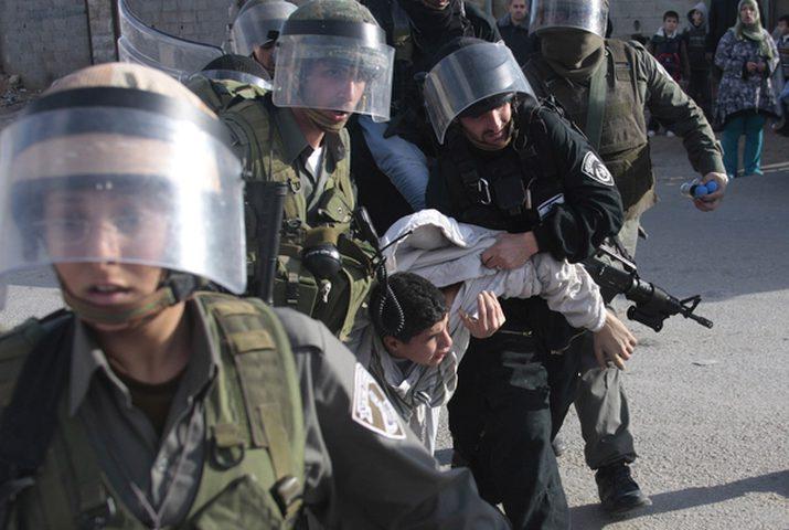الاحتلال يعتقل خمسة مقدسيين