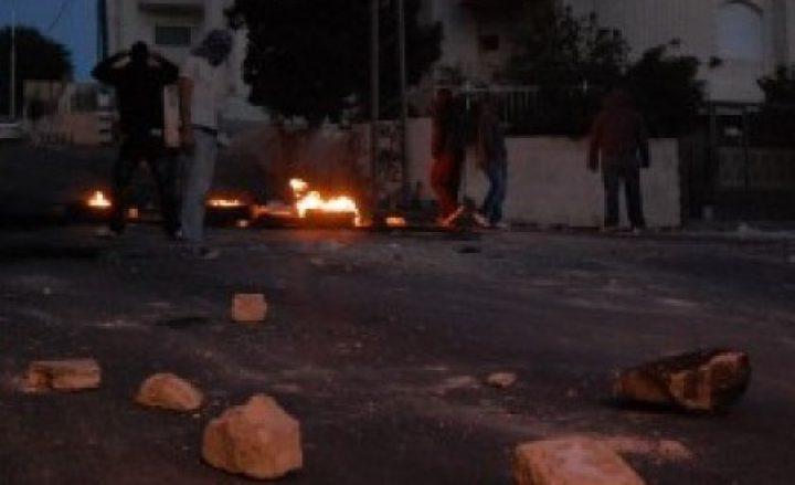 القدس: اندلاع مواجهات مع الاحتلال ومحاولة المواطنين التصدي لهم
