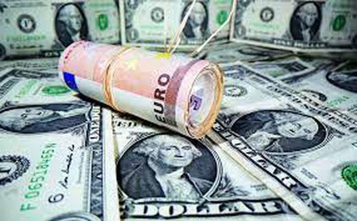 للمرة الأولى في نحو شهر.. الدولار يهبط دون 75 روبلا