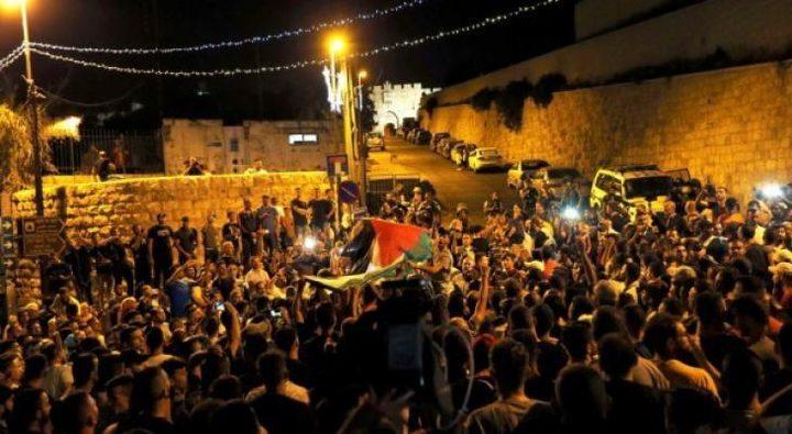 الاحتلال يقمع مسيرة شمال مدينة البيرة