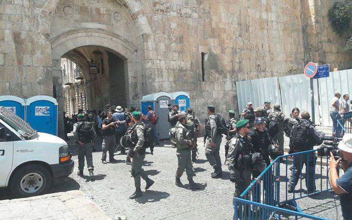 الاحتلال يعتقل مقدسيا قرب المسجد الأقصى