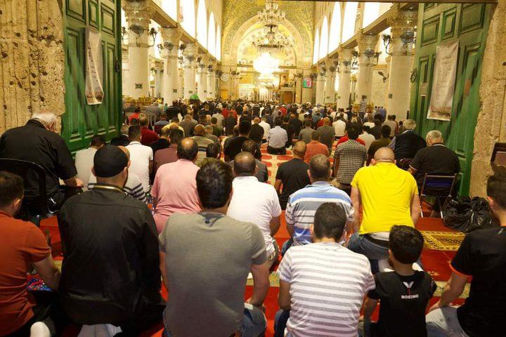 صلاتي العشاء والتراويح من رحاب المسجد الأقصى المبارك