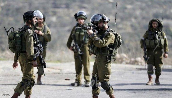 """الاحتلال يطلق النار على شاب قرب مفرق مستوطنة """"أفرات""""جنوب بيت لحم"""