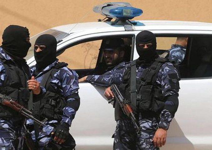 """أجهزة """"حماس"""" في غزة تستدعي الزميل الصحفي صخر أبو العون"""