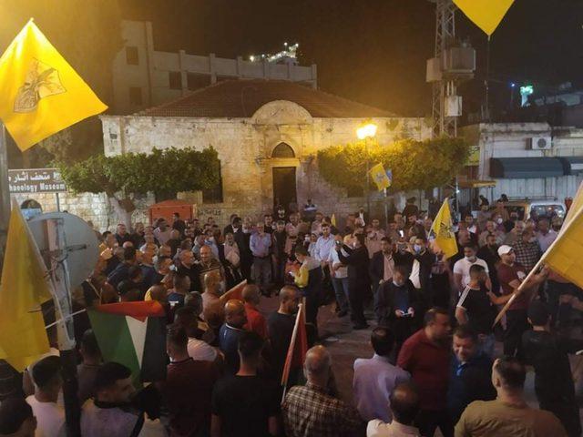 وقفة دعم لقرار القيادة على أنه لا انتخابات بدون القدس بطولكرم