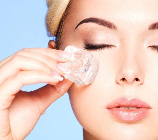 حلول سهلة وطبيعية... كيفية التخلص من انتفاخات العين