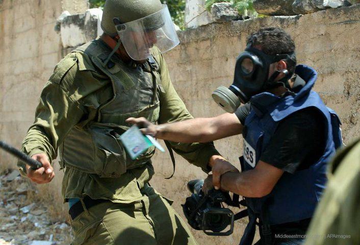 تسجيل 25 انتهاكا إسرائيليا بحق الصحفيين في نيسان المنصرم