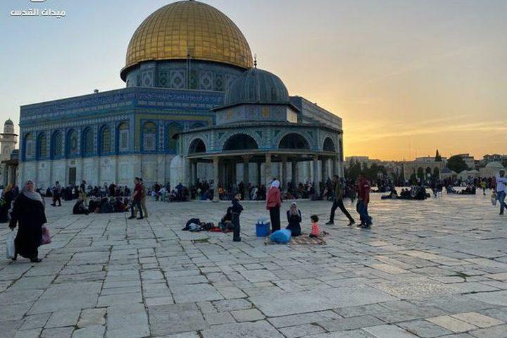 غروب شمس اليوم الإثنين من داخل ساحات المسجد الأقصى المبارك